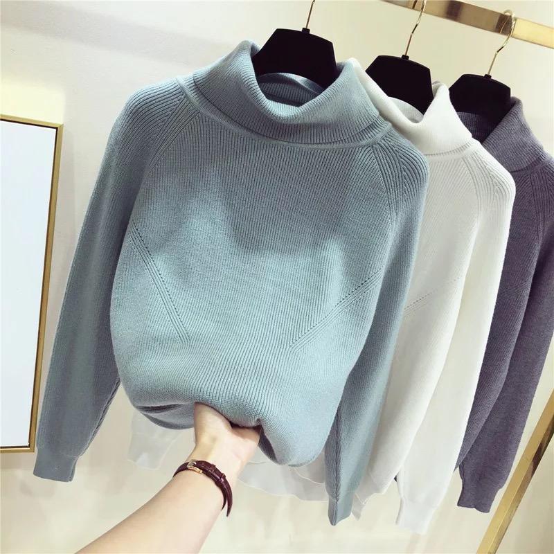 Женский свитер с воротником-хомутом